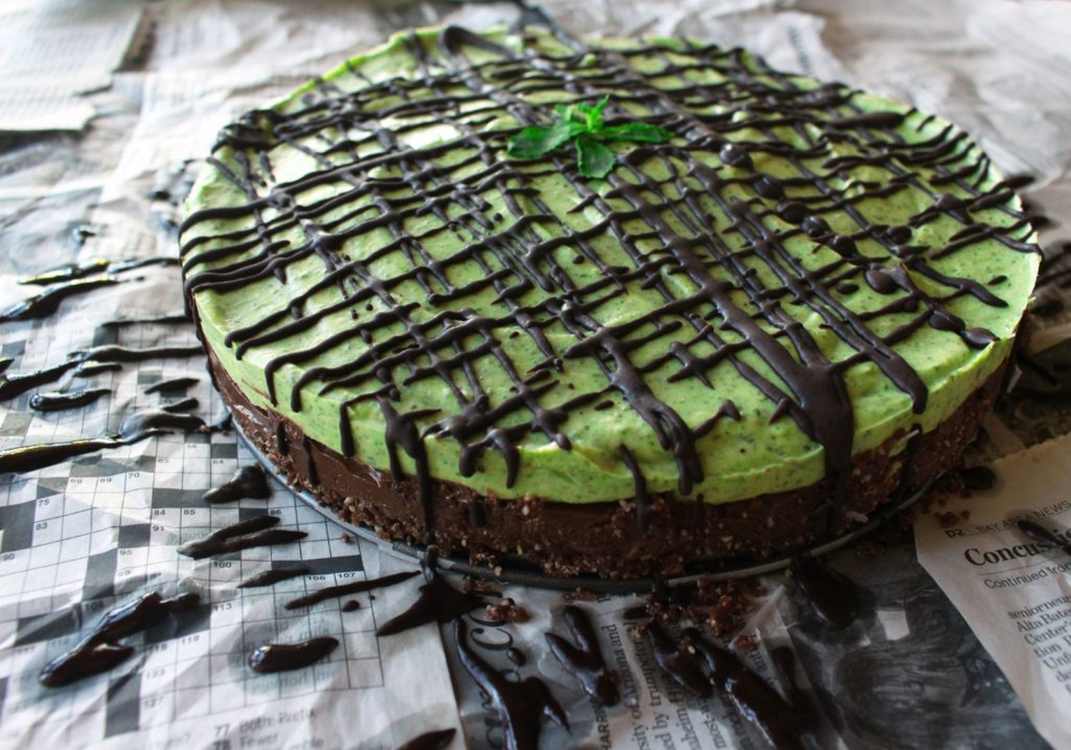 raw mint chocolate mousse tart pie gluten free vegan dessert zena zaatar zenanzaatar recipe