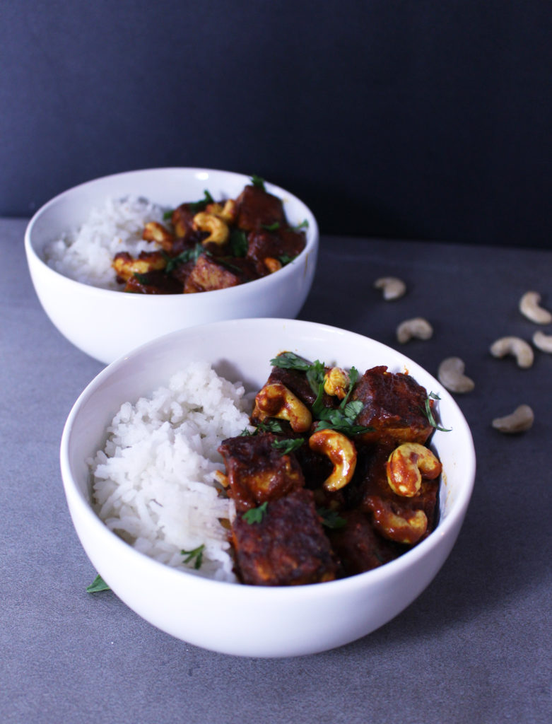 sticky red curry tofu rice bowls vegan gluten free vegetarian cashew coconut zenanzaatar recipe food blog