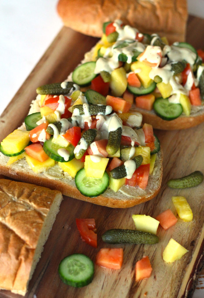 tropical fruit sandwich a la sandwicherie vegan baguette papaya pineapple mango french vinaigrette food blog recipe vegetarian zenanzaatar