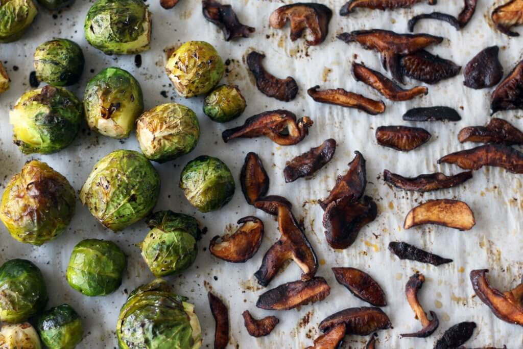 roasted brussels sprouts shiitake bacon maple dijon honey mustard balsamic vegan vegetarian appetizer zenanzaatar food blog recipe